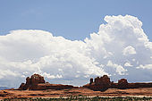 USA. Utah. Canyonlands National Park. The Needles. Wooden Shoe Arch.