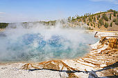 USA. Wyoming. Parc de Yellowstone. Midway Geyser Basin. Excelsior Geyser Crater.