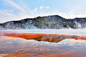 USA. Wyoming. Parc de Yellowstone. Midway Geyser Basin. Grand Prismatic Spring.