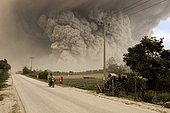 Strong eruption at Mount Sinabung generating large pyroclastic flow, August 02, 2017